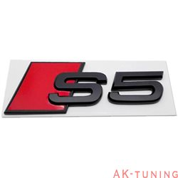 Audi S5 blanksvart emblem bak